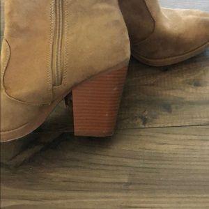 Soda Shoes - Fringe booties